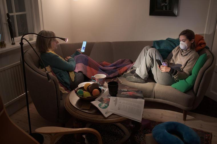 Los 'millennials' en cuarentena se adaptan la nueva rutina en casa durante la pandemia.