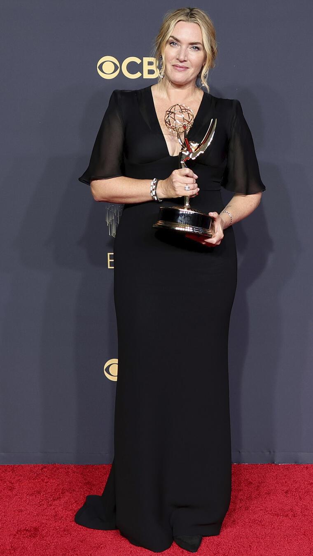 Kate Winslet con premio Emmy.