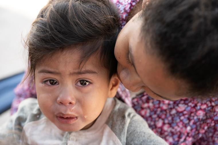 Se estima que unos 5,400 menores fueron separados de sus padres al cruzar a Estados Unidos en 2018.
