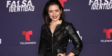 """Ariadne Díaz acompaña a Marcus Ornellas en la presentación de """"Falsa Identidad"""", 2018."""