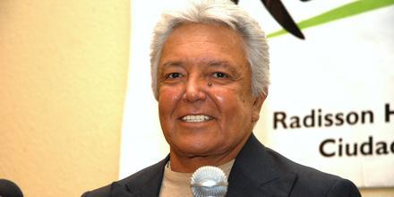 Alberto Vázquez en conferencia de prensa en 2008