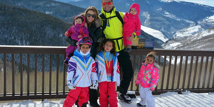 Jacquelin Bracamontes y su familia en Vail, Colorado