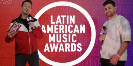 Danny Félix en el backstage de los Latin American Music Awards 2021