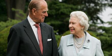 La reina Elizabeth II y el príncipe Philip en Broadlands para conmemorar su aniversario de bodas de diamante, 2007