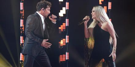 David Bisbal y Carrie Underwood en los Latin AMAs 2021