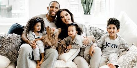 Amelia Vega y su familia