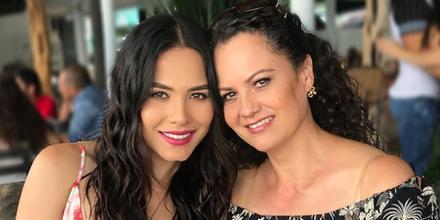 Andrea Meza, Miss México, y su mamá