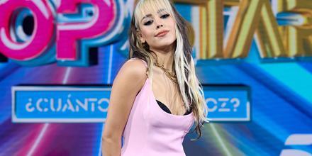 Danna Paola posando en un programa en Madrid