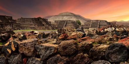 Obras en Pirámides de Teotihuacán
