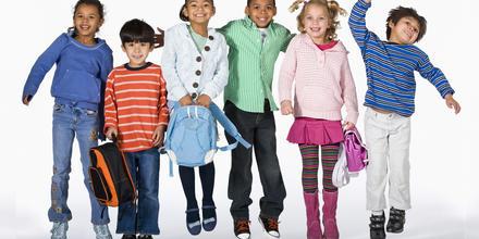 Prendas clave para niños para este regreso a clases 2021 | Telemundo