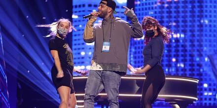 Nicky Jam en los de ensayos de los Premios Billboard de la Música Latina en el Watsco Center en Coral Gables, Florida