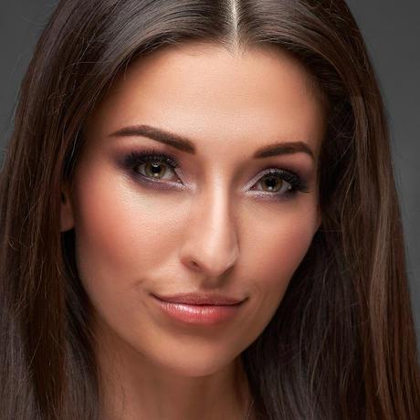 Dhenia Covens Miss Bélgica Universo