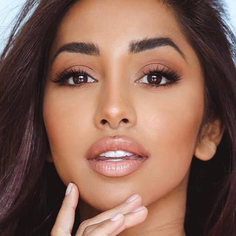 Maria Thattil Miss Australia Universo 2020