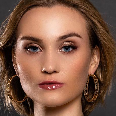 Elísabet Hulda Miss Islandia Universo