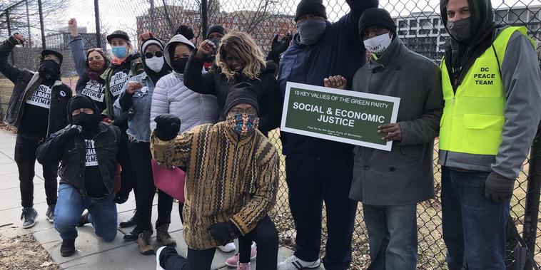 Activistas en un barrio histórico de Washington D.C..
