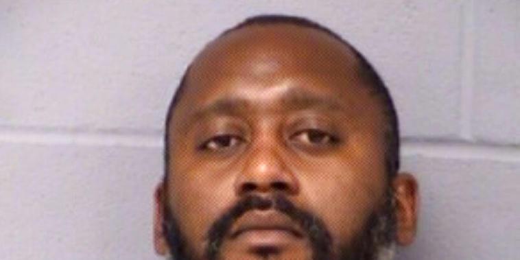 Stephen Broderick, de 41 años, buscado por el asesinato de tres personas en Austin, Texas