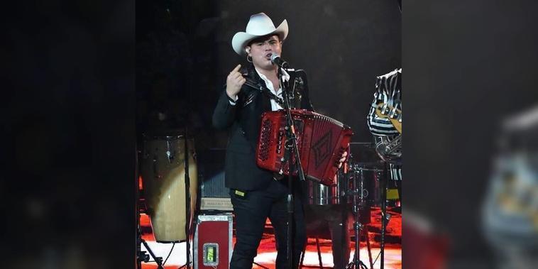Cantante Alfredo Olivas en 2020