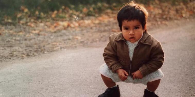 Alberto Zune creció en Bélgica y sigue buscando a sus padres biológicos en Guatemala.