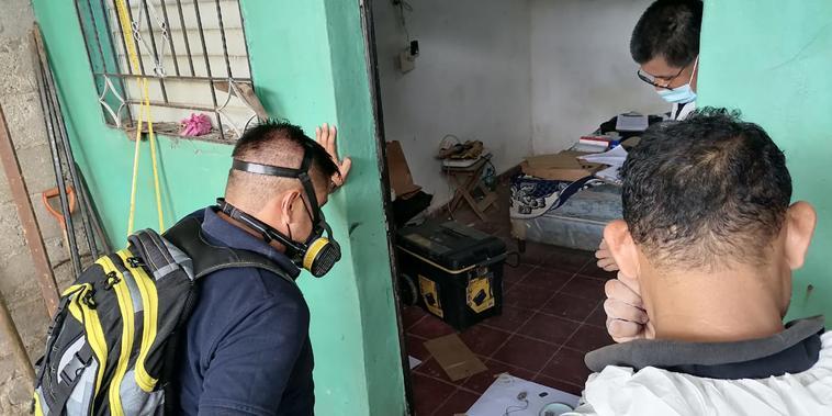 Localizan restos de unas 10 personas en casa de un expolicía en El Salvador