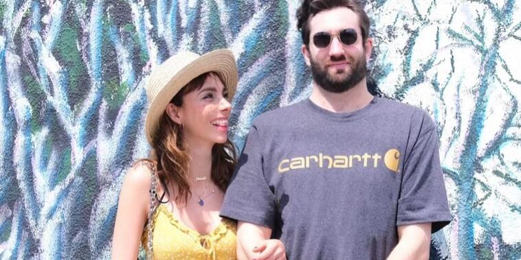 Natalia Téllez y su novio, Antonio Zabala, posando