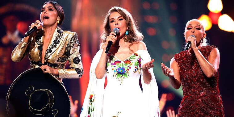 Ana Bárbara, Guadalupe Pineda y Yuri en los Premios Billboard 2021