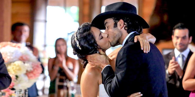 Tierra de Reyes, capítulo 154: Arturo y Sofía se casan