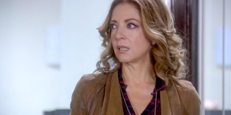 Eva La Trailera, Capítulo 10: Eva se encuentra a Pablo en la oficia de Marlene