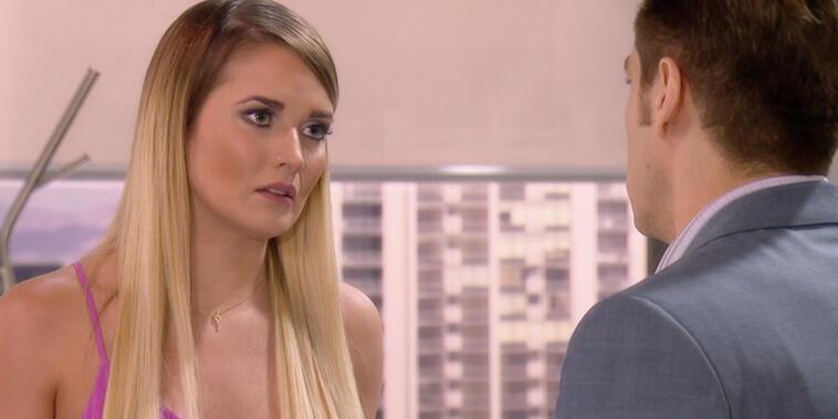 """¿Quién es Quién?, Capítulo 59: Fernanda le hace firmar un contrato prenupcial a """"Leonardo"""""""
