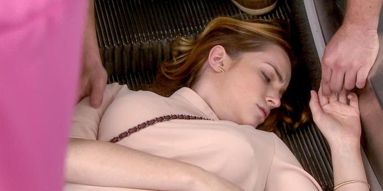 Eva La Trailera, capítulo 71: Adriana se cae por las escaleras huyendo de Andy