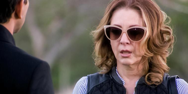 Eva La Trailera, capítulo 90: Pablo le dice a Eva que ella no estaba invitada al entierro de Betty