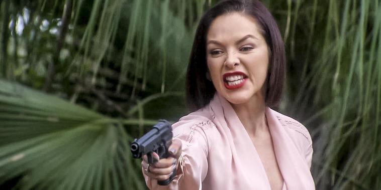 Eva La Trailera, capítulo 107:Marlene se vuelve a embarrar las manos desangre