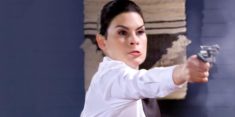 Eva La Trailera, capítulo 108: Rebeca le dispara a Armando