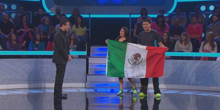 La bandera mexicana en alto
