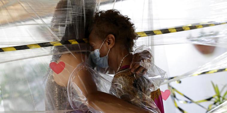 Una visita al asilo de anciaos en Brasilia durante la pandemia de coronavirus