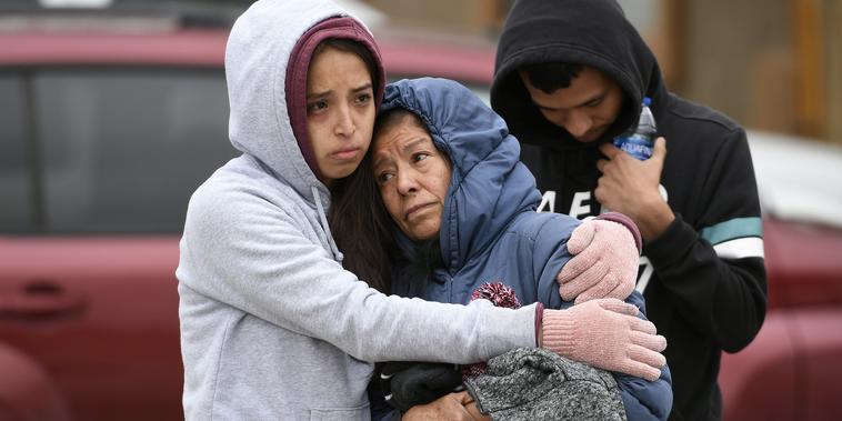 Familiares de las víctimas del tiroteo en Colorado Springs lamentan la muerte de sus seres queridos
