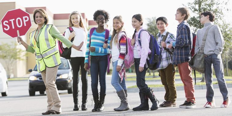 Completa tu lista escolar con las mochilas y útiles escolares por menos de $40 | Telemundo
