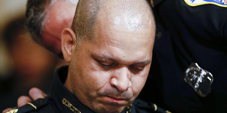 El sargento Aquilino Gonell, oficial de la Policía del Capitolio, este martes tras ofrecer su testimonio.
