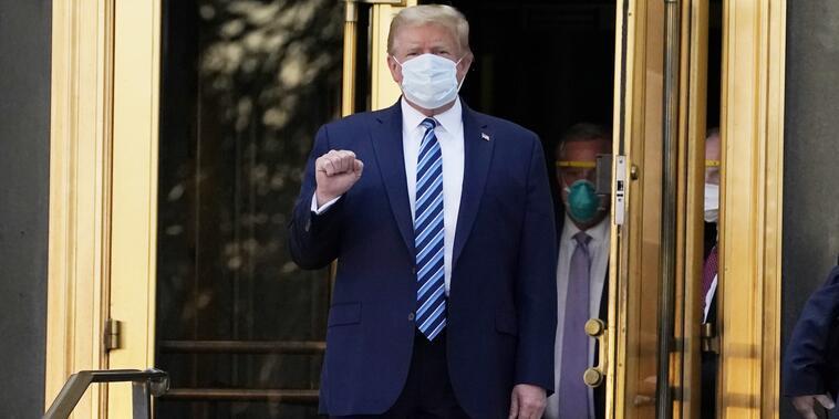El presidete Trump sale del hospital Walter Reed