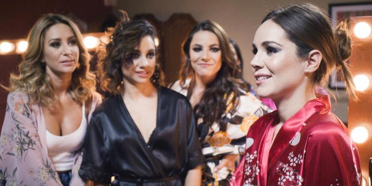 Circe conoce a Camila