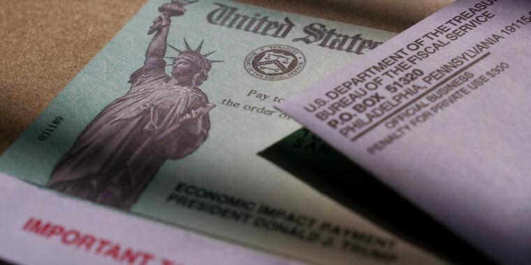 Cheque de estímulo económico emitido por el IRS.Foto de archivo.Abril, 2020. AP Photo | Eric Gay
