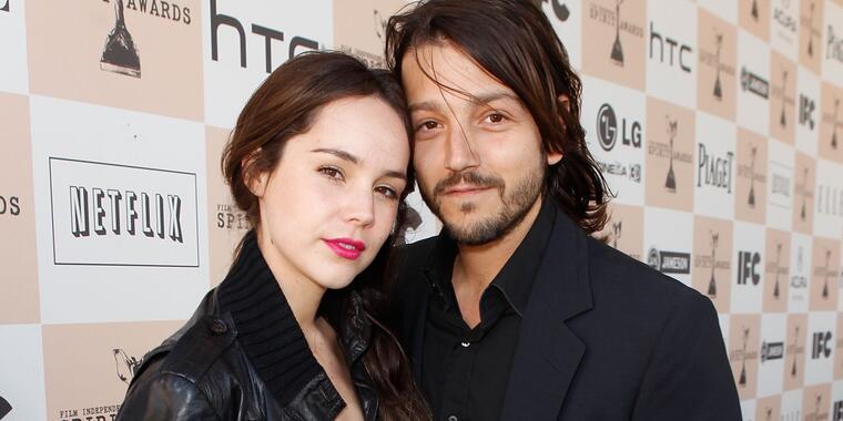 Camila Sodi con Diego Luna en 2011