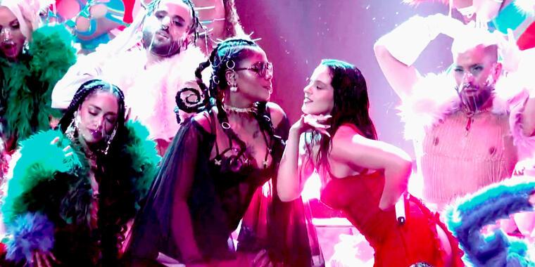 Rosalía y Tokischa en los Premios billboard 2021