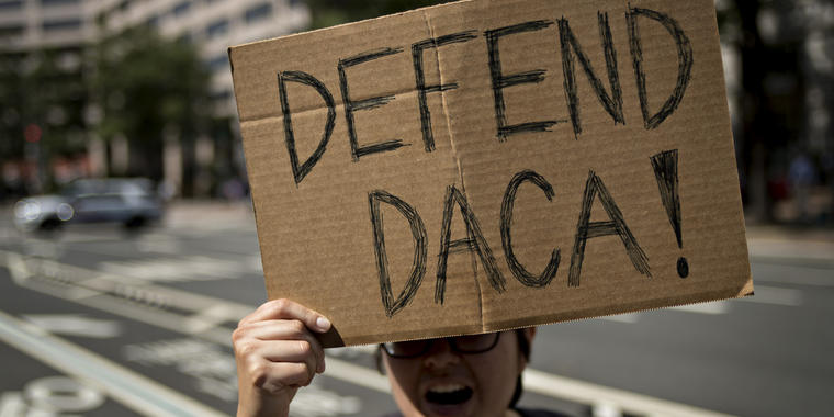 Dreamers exigen a la Administración Biden que proteja el programa de Acción Diferida para los Llegados en la Infancia