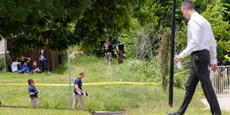 Las autoridades dijeron que el cuerpo del niño presentaba múltiples heridas.