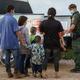 Un grupo de migramtes es procesado por la Patrulla Fronteriza tras cruzar de México a Estados Unidos en Penitas, Texas, el 8 de julio de 2021.