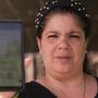 Yusimi Suárez muestra la conversación de Whatsapp donde le enviaron documentos fraudulentos que parecían ser de la agencia migratoria ICE.