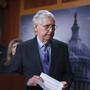 Mitch McConnell, líder de la minoría en el Senado, tras la votación fallida sobre el paquete de infraestructura