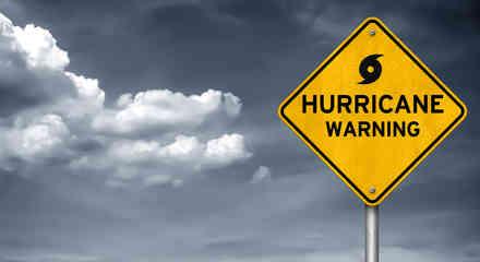 Cartel de alerta de huracán