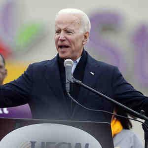 Joe Biden durante una manifestación en apoyo a los trabajadores en Boston.