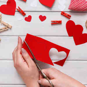 14 Manualidades De San Valentin Para Hacer En Familia Telemundo